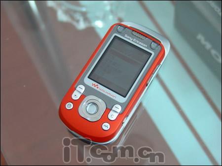 玩转天籁索爱旋转屏幕W550c特价送电池