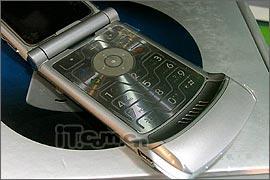 行货V3手机再发飚银黑版本狂泻200