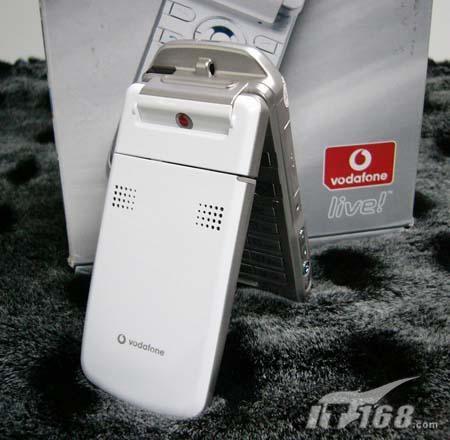 无限诱惑夏普V902手机欲破三千元大关