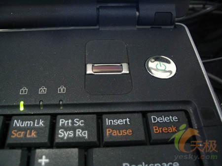 想与IBM叫板索尼笔记本电脑也要玩商务