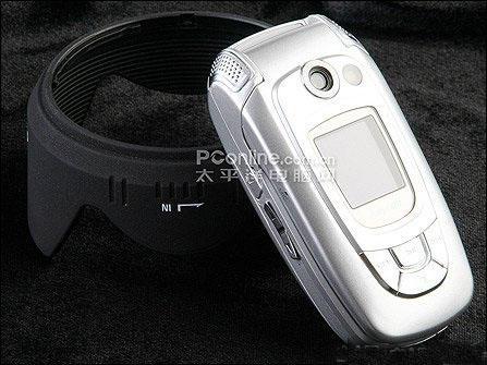 三星百万像素MP3音乐手机X808闪亮上市