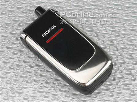 简约外观诺基亚折叠手机6060直降300元