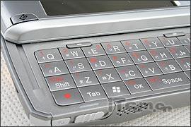 智能机王驾临多普达838手机8380元上市