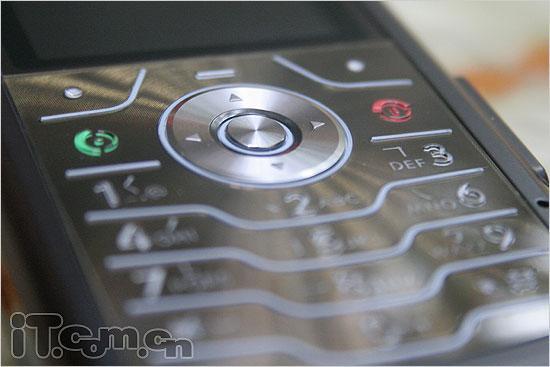 功能全面超薄智慧摩托罗拉L7手机评测(2)