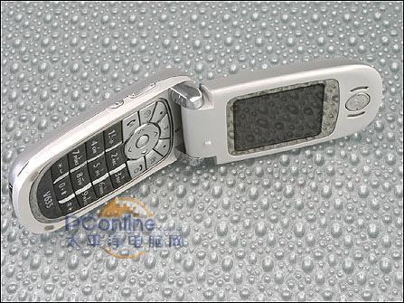 MOTO百万象素MP3手机V635不到1500元