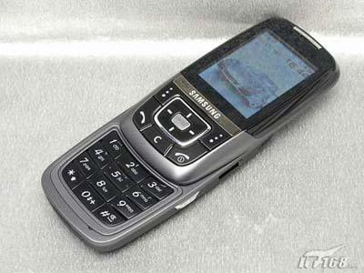顶级滑盖展现魅力三星D608手机价格下落