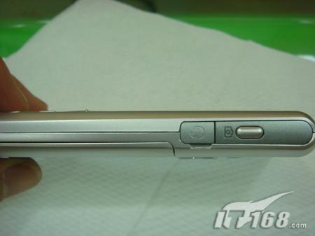 超薄成风泛泰超薄直板手机仅售1300元