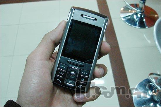 Symbian系统三星滑盖智能新机D720少量到货