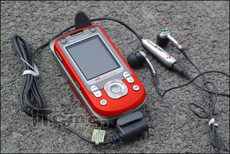 人气音乐手机改版索爱W550降至2199元