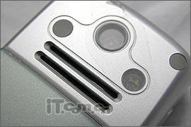 最便宜的3G插卡手机摩托罗拉C975仅售880
