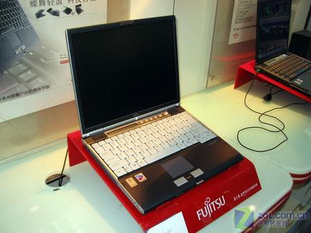 2006年挑战IBM富士通S6240售12300元