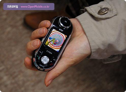曲线玲珑LG酷似MP3滑盖音乐机KP4700图赏