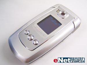 支持TF扩展卡三星超薄音乐手机E778评测