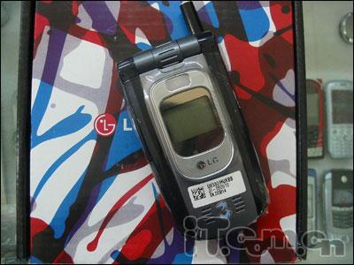 3G也只卖1250LG新水货8330市场现身