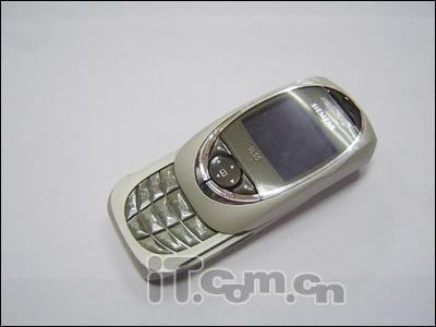 滑盖机永不倒西门子SL65手机仅售1279元