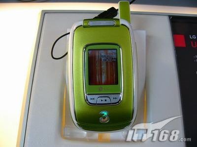 色彩缤纷LG女性3G靓丽新机U8550闪耀CeBIT