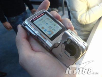 旋影无限全球最薄500万像素手机LGKG920