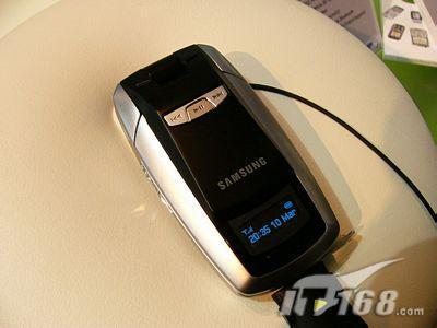 三星展出欧洲首部T-DMB电视手机SGH-P900