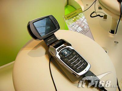 全球首部200万像素DMB手机SPH-B4100亮相