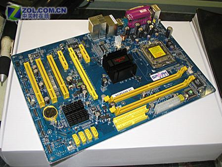革915P的命斯巴达克945PL主板跌破600元