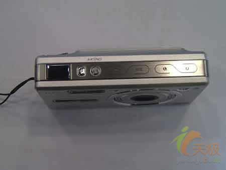 非日系卡片机大跳水柯达V550就卖2300
