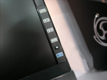 直逼2000元底线五大品牌19寸宽屏液晶推荐(10)