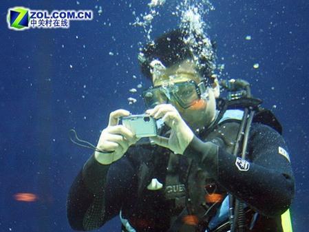 3米潜水1.5米防震奥林巴斯μ720上市
