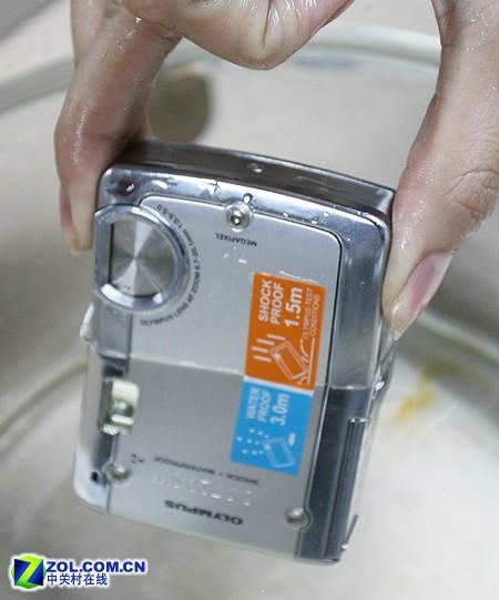 三防数码相机奥林巴斯μ720破坏实验