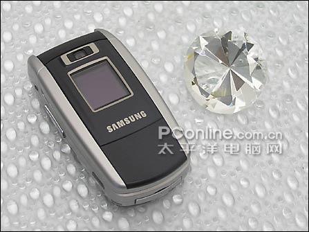 最小3G手机狂降三星可插卡Z500仅售1499元