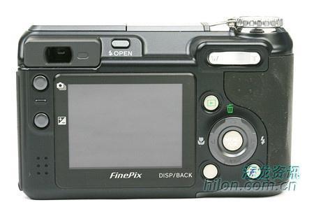 自然影像技术富士E900相机售价2850元