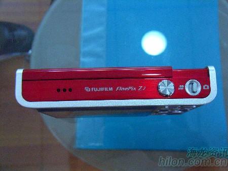 版本升级推拉依旧富士Z2售价2250元
