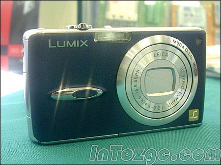 和徕卡一摸一样超薄相机松下FX01上市