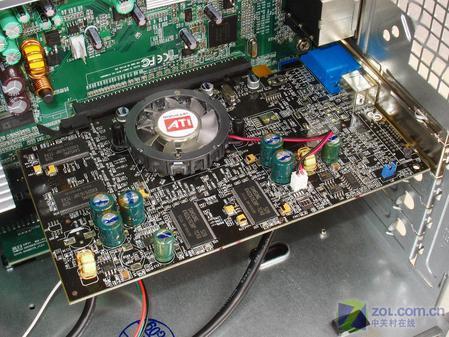 主机采用了intel所倡导的btx规范,btx的结构更有利于机箱内部的空气