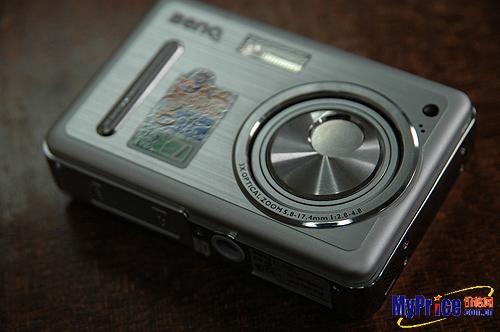 搭配顶级液晶屏明基E600数码相机评测