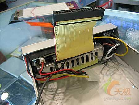 内置电源独特设计数码之星外置光驱盒158元