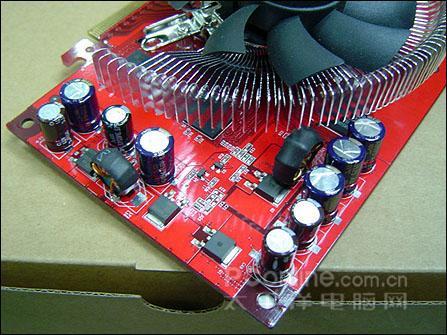 配备1.2nsDDR3显存,最强7600GT登陆