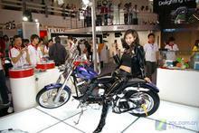 国际摄影器材展:佳能摩托车美女惊艳