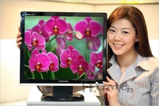 三星最新高对比度配合极速2ms的LCD
