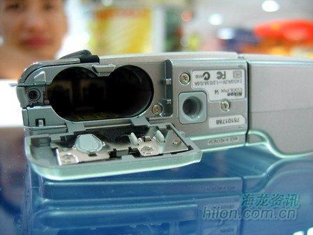长焦价格走高尼康S4数码相机现售2600