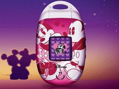 其表面设计成可爱的迪士尼米奇与米妮浪漫之旅,色彩亮丽多彩,在lcd大