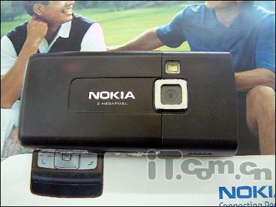 200万像素欧版诺基亚滑盖机6270仅售2850
