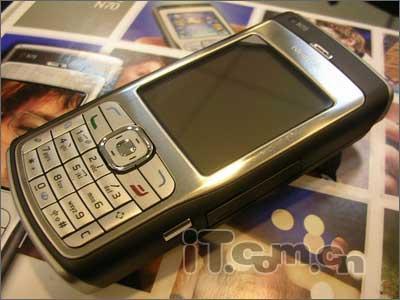 顶级智能诺基亚200万像素N70仅售3560元