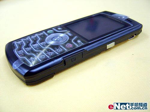 刀锋战士――超薄直板娱乐手机导购