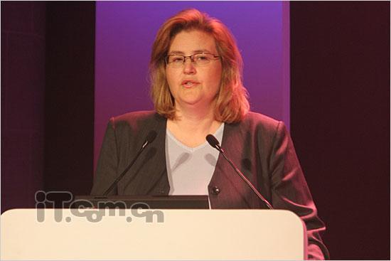 索尼爱立信中国区总裁古尼拉女士讲话