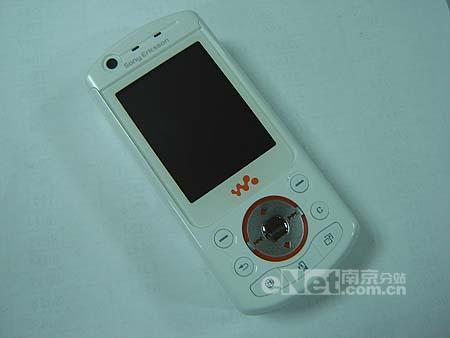 索爱W900白色版本跌破4000大关!