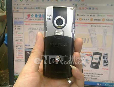 三星内置3G海量内存i300特价4400元
