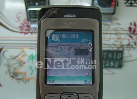智能先锋诺基亚200万像素N70仅售3599元