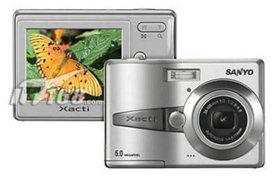 造型别致三洋发布新款卡片数码相机S60