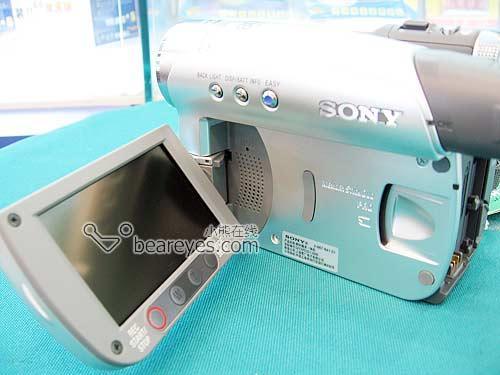 索尼百万像素家用DV买46E就送原装包