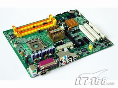 磐英超值双核平台主板945P低价到货